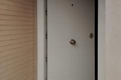 puerta-entrada-blanca